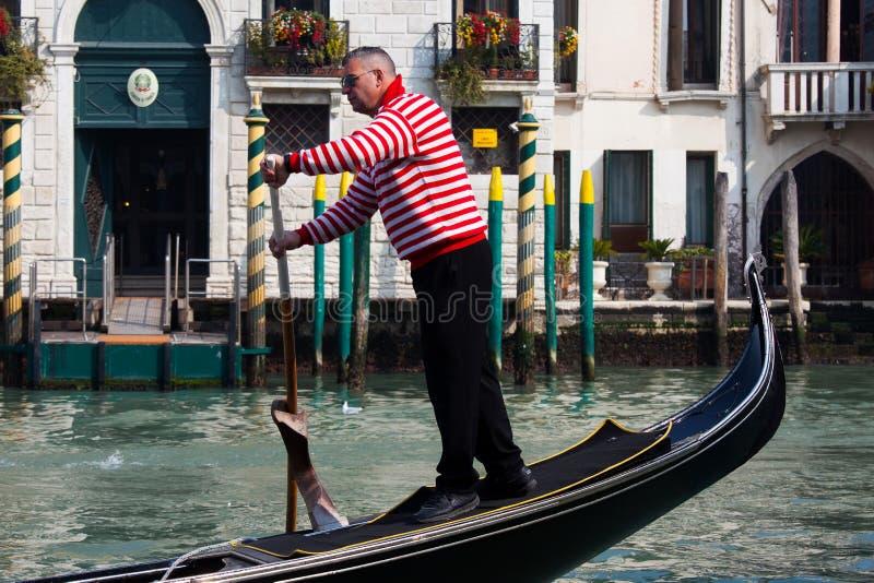 Góndolas tradicionales en Venecia imagen de archivo libre de regalías