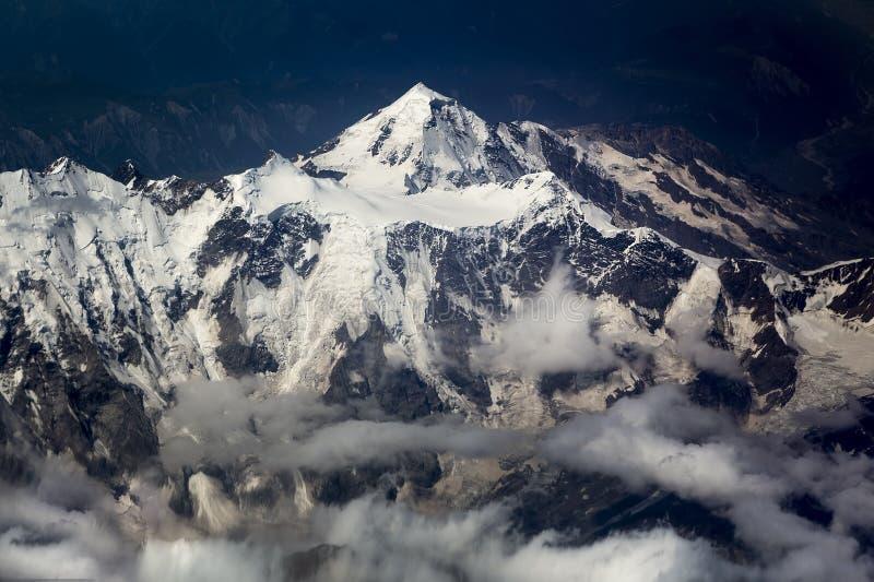 Góra śnieżysty wierzchołek obrazy royalty free