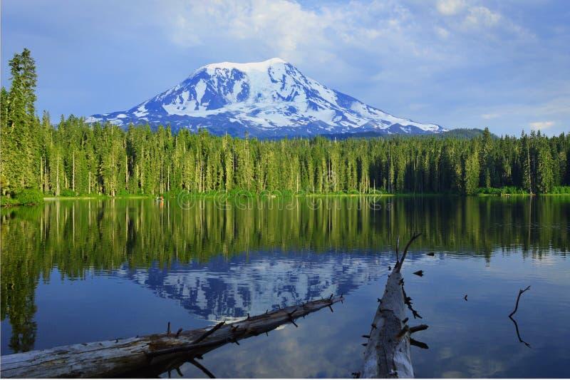 Góra Adams i Takhlakh jezioro obraz royalty free