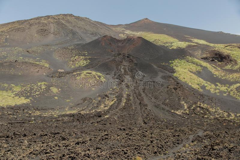 Góra Etna Wybuchający w wiośnie obraz royalty free