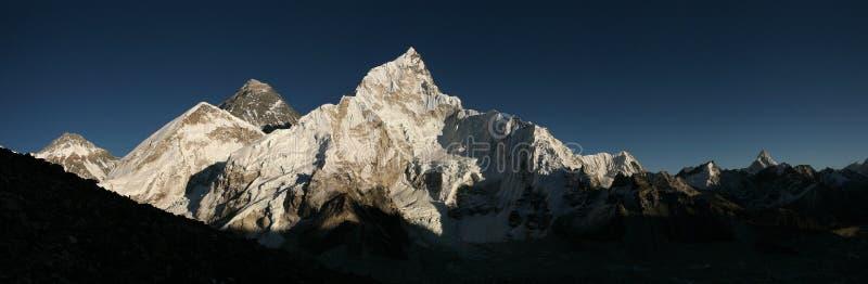 Góra Everest i Khumbu lodowiec od Kala Patthar, himalaje zdjęcie stock