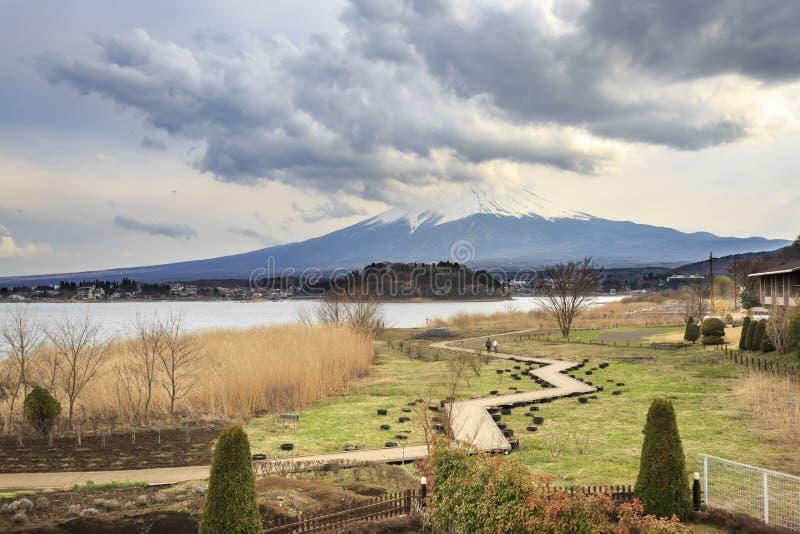 Góra Fuji od jeziornego Kawaguchiko obraz royalty free
