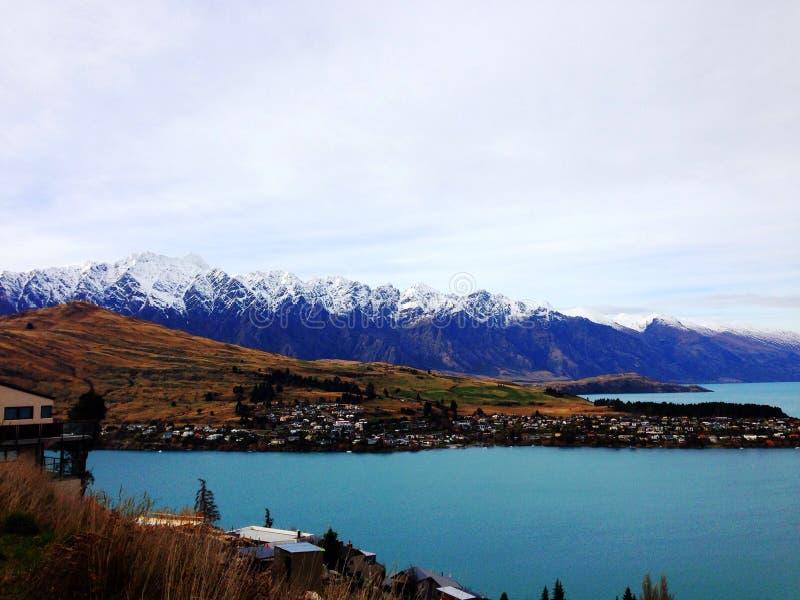 Góra i jezioro zdjęcie royalty free