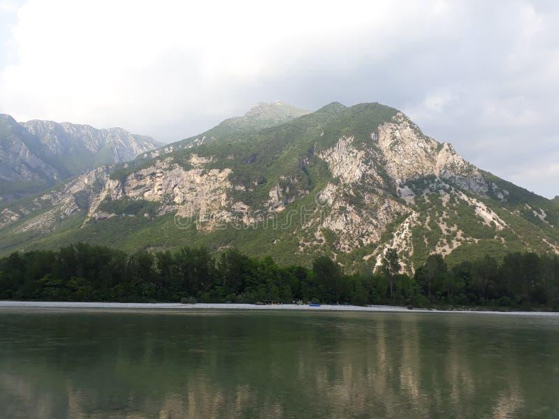 Góra jezioro obraz royalty free