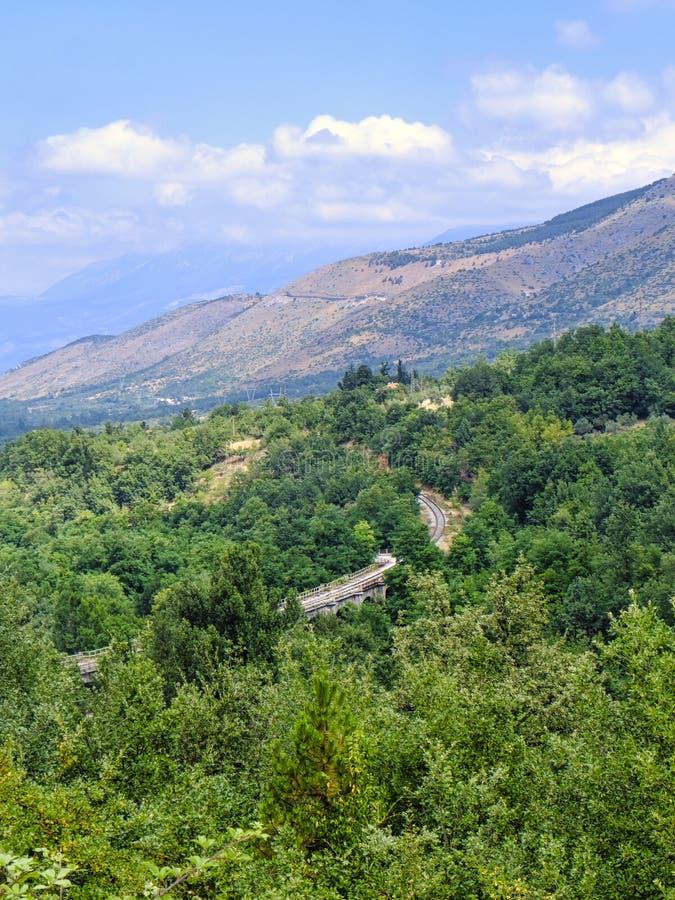 Góra krajobraz w Abruzzi blisko Sulmona obraz stock