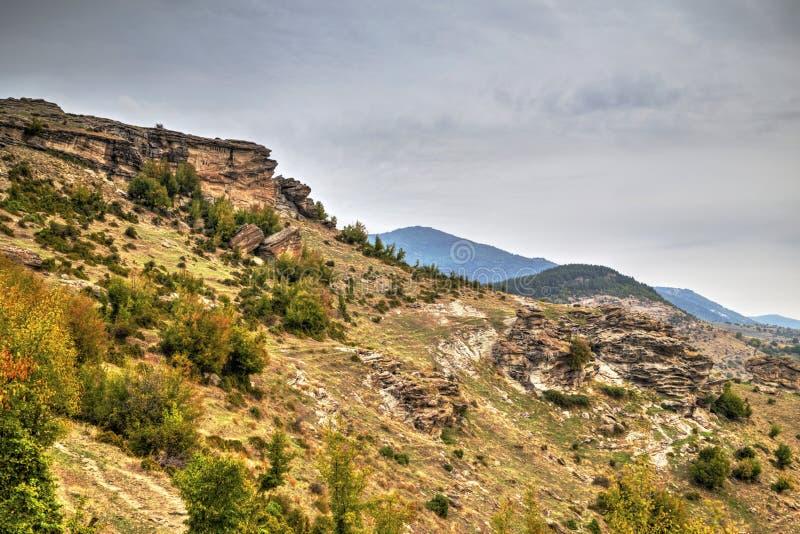 Góra krajobraz z zjawisko rockowymi formacjami obraz stock