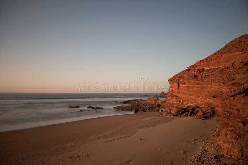 Góra która kończy w morzu †‹â€ ‹Legzira, Maroko obrazy stock