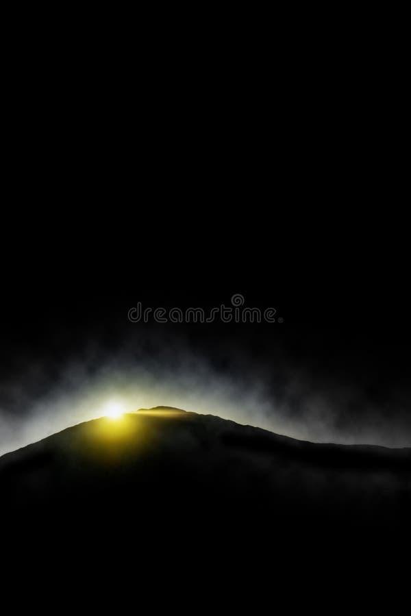 góra nad wschód słońca ilustracja wektor