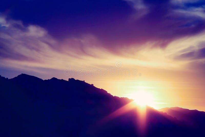góra nad zmierzchem fotografia royalty free