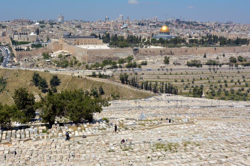 Góra oliwka Żydowski cmentarz w Jerozolima, Izrael - zdjęcie stock