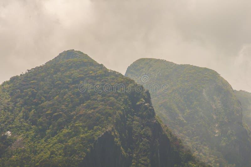 góra osiąga szczyt dwa zdjęcia stock