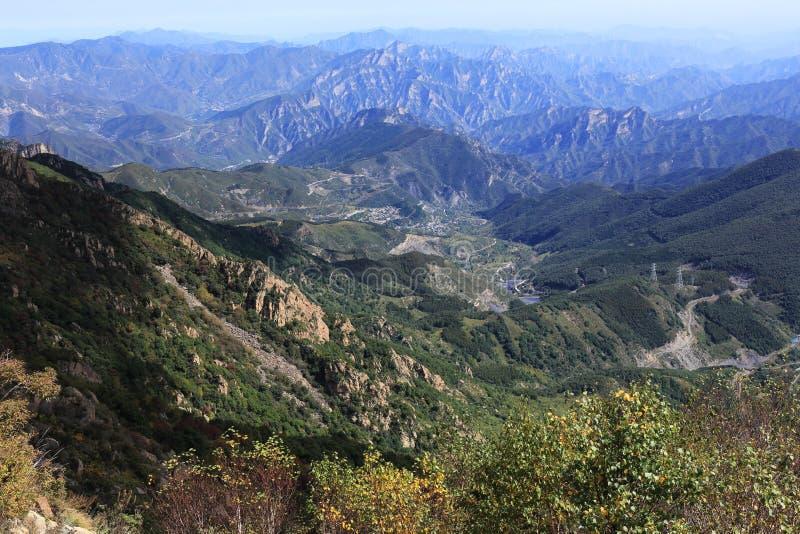 Góra przy jesienią zdjęcie royalty free