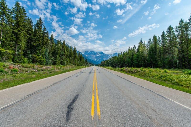 Góra Robson od drogi, krajobraz - Kanada obraz stock