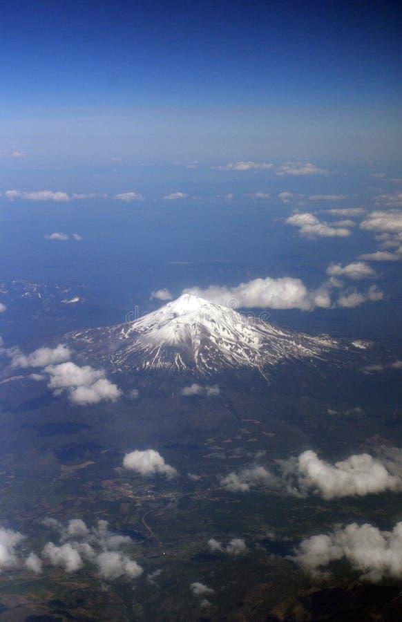 Góra Shasta od above zdjęcie stock