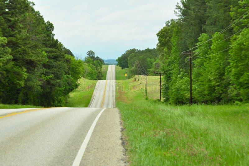 Górkowata wiejska droga zdjęcie stock