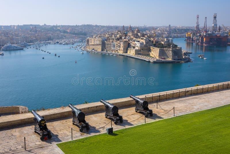 Górni Barrakka ogródy & Salutować bateria w Valletta zdjęcie stock