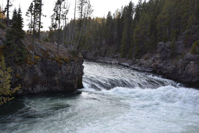 Górni spadki Uroczysty jar Yellowstone park narodowy obraz stock
