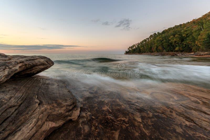 Górnicy Wyrzucać na brzeg - Opisanego skała obywatela Lakeshore, Michigan obrazy stock