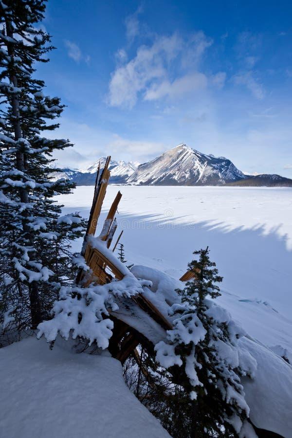 Górny Kananaskis jezioro w zimie - Peter Lougheed prowincjonału park zdjęcie stock