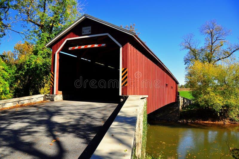 Górny Leacock Twp, PA: Pinetown Zakrywał most zdjęcia stock