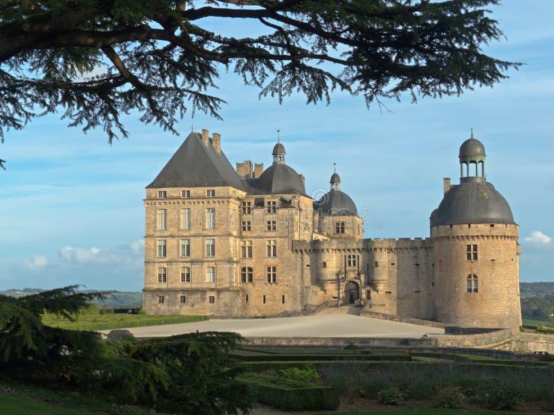 Górskiej chaty Hautefort kasztel w Francja zdjęcia stock