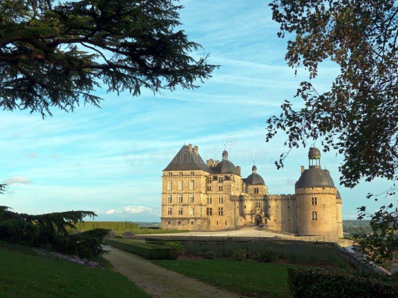 Górskiej chaty Hautefort kasztel w Francja fotografia stock