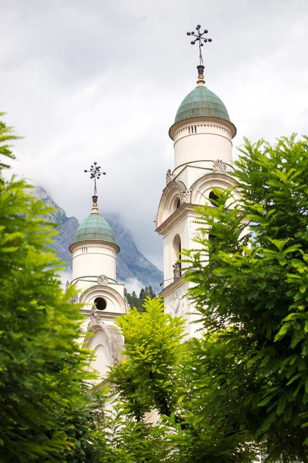Góruje Kościelny chiesa Arcidiaconale Santa Maria Nascente surro obraz stock
