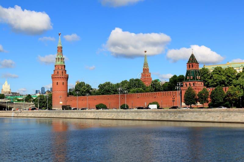 Góruje Moskwa Kremlin w Czerwcu w ranku fotografia royalty free