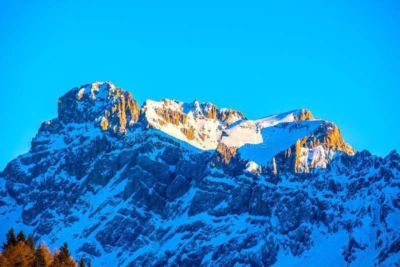 Góry Dolomites w zmierzchu, Włochy obrazy stock