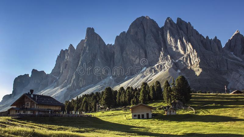 Góry Dolomiti Odle park zdjęcia stock