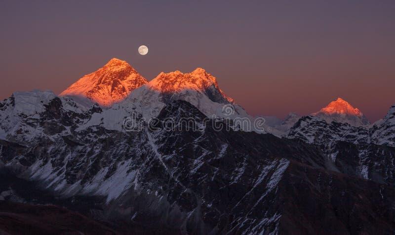 Góry Everest Makalu szczyt zdjęcie stock