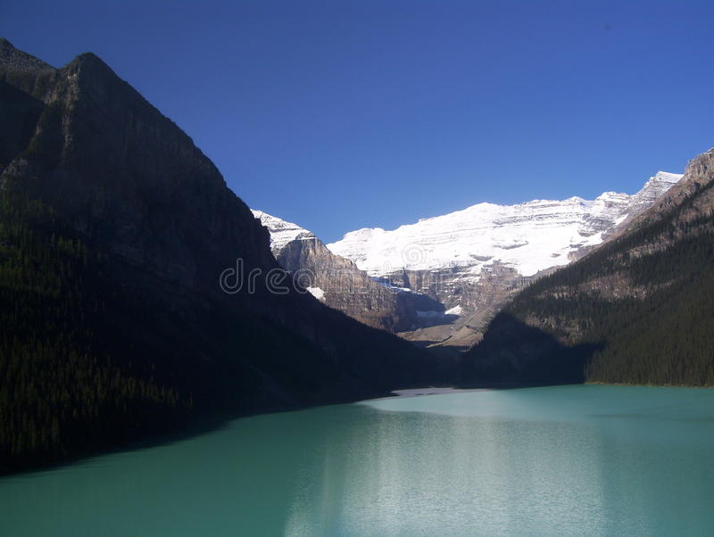 Góry i jezioro obrazy stock