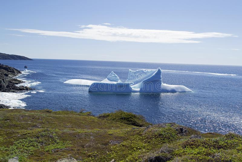 Góry lodowa alei połowu punktu St Anthony NL obraz stock