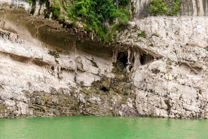 Download Góry na jangcy obraz stock. Obraz złożonej z podróż, kamień - 28950457
