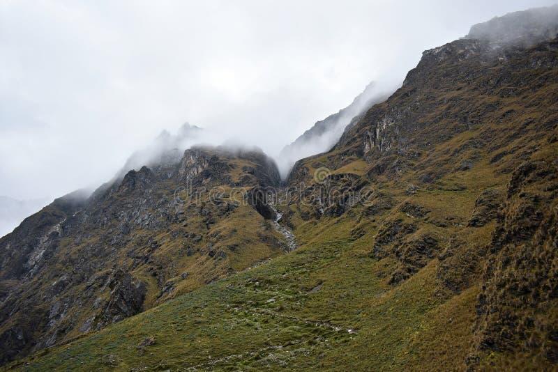 Góry na Salkantay wędrówce w Peru droga Mach Picchu obrazy royalty free