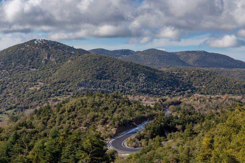 Góry na zimie, chmurzą dzień Peloponnese, Grecja fotografia royalty free