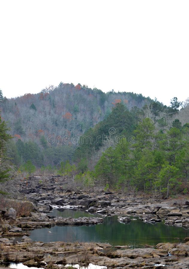 Góry nad Riverbed fotografia royalty free