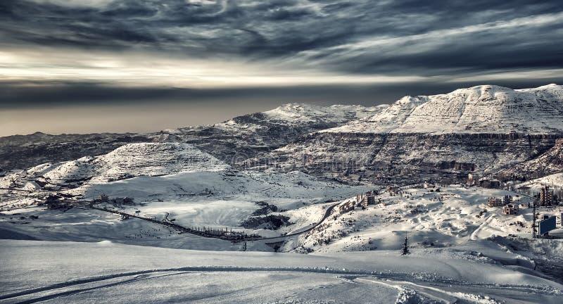 góry piękna krajobrazowa zima zdjęcie royalty free