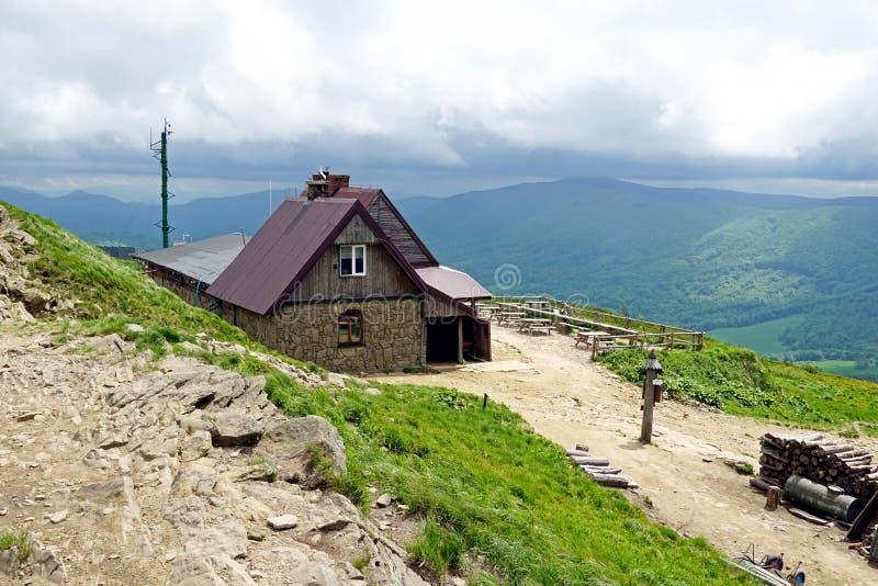 Góry schronienie w Bieszczady górach, Polska zdjęcia royalty free