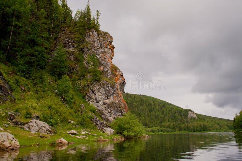 góry ural vishera rzeki zdjęcia stock
