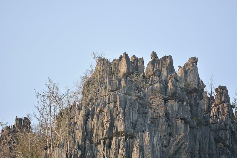 Góry Wapienne W Ban Mung, Noen Maprang, Prowincja Phitsanulok obraz stock