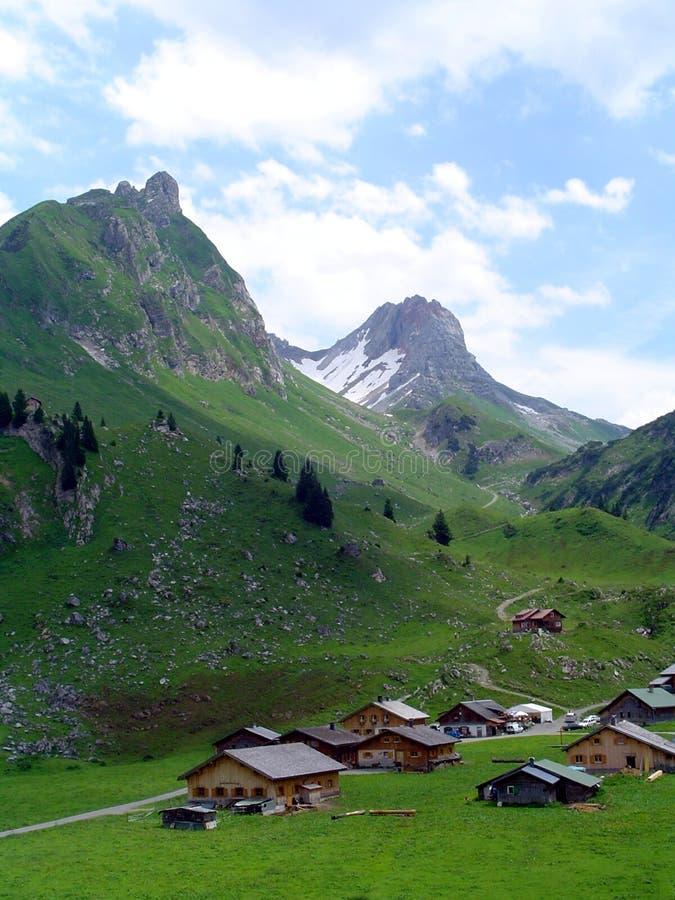 góry wioski zdjęcia royalty free