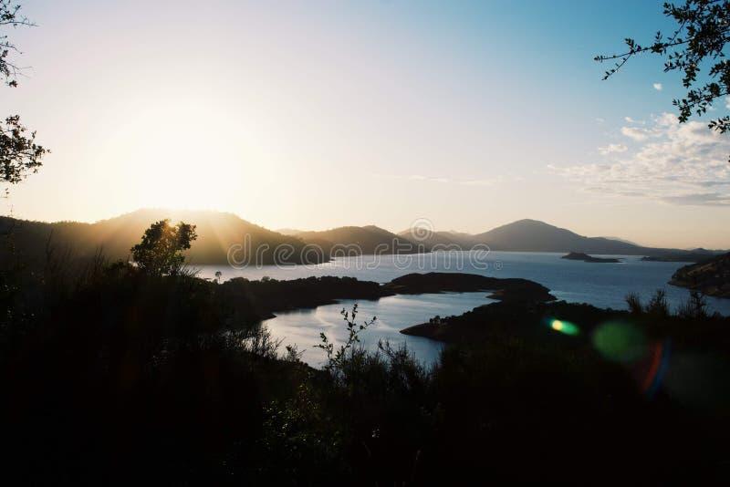 Góry z Naturalnymi fontannami zdjęcia royalty free