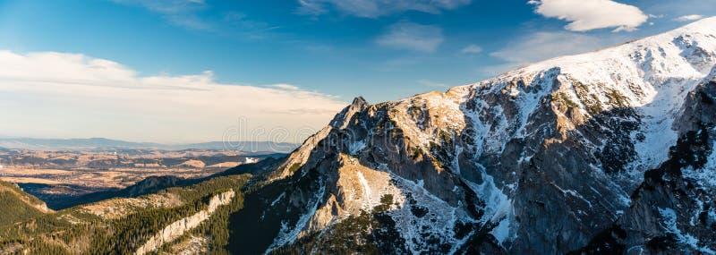 Góry zimy inspiracyjny krajobraz, Tatrzańska panorama fotografia stock
