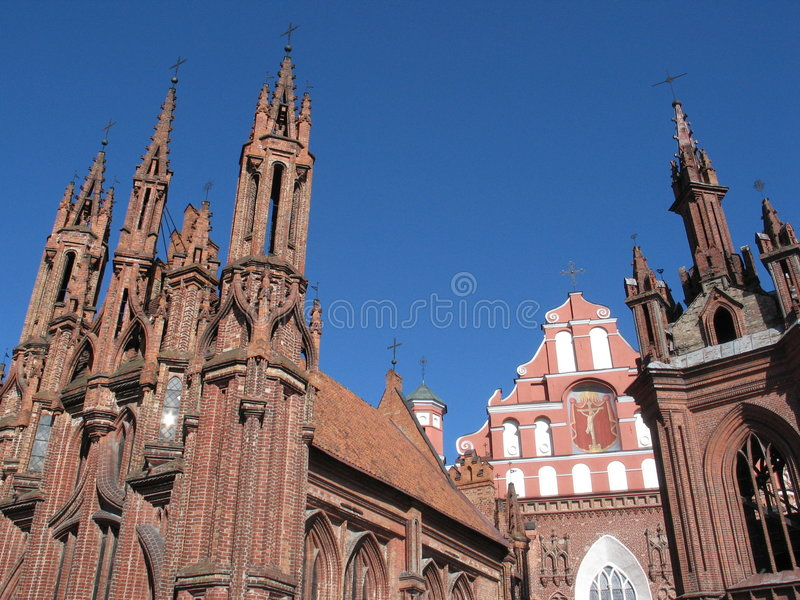 Gótico vermelho em Vilnius imagem de stock royalty free