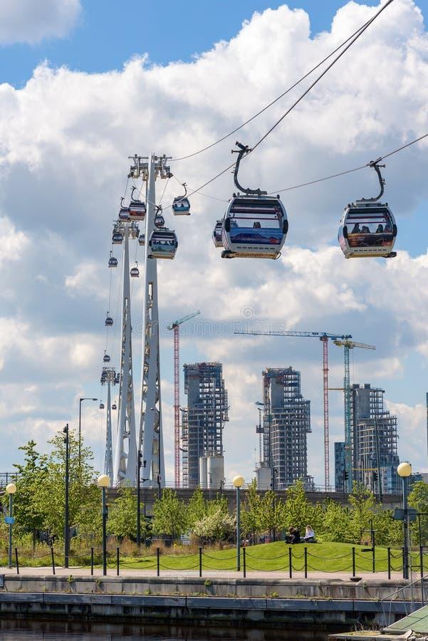 Gôndola da linha de ar dos emirados em Londres foto de stock