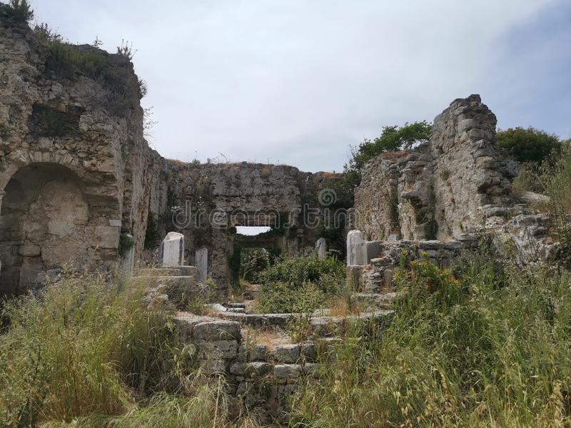 Gömd gammalgrekiskakyrka arkivfoton