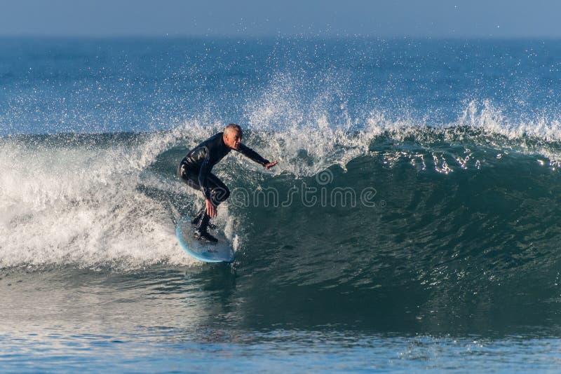 Gör den södra dyningen för den tidiga nedgången stora vågor royaltyfria foton
