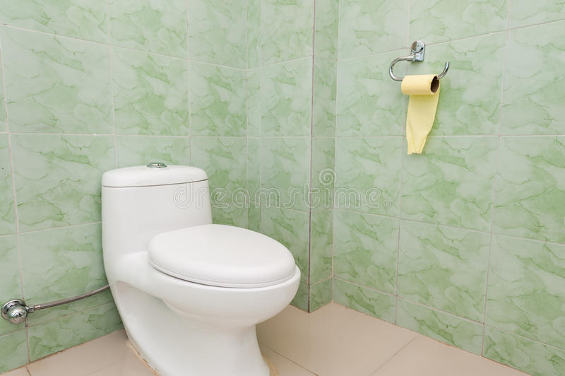 gör ren den enkla toaletten royaltyfria foton