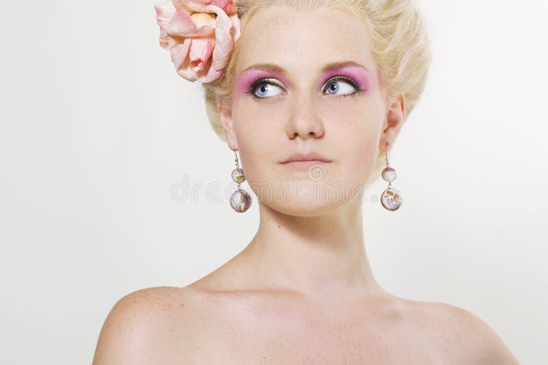 gör stilfullt övre kvinnabarn royaltyfri bild